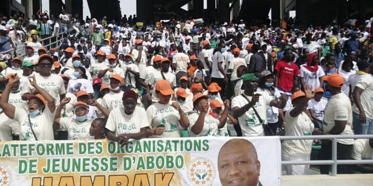 Hommage à Hamed Bakayoko: une marée humaine au stade Ebimpé